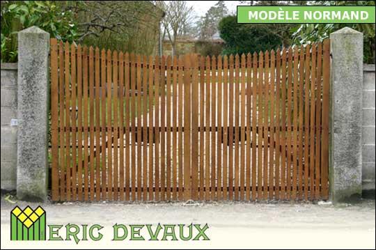 Fabricant portail bois sur mesure pose deauville lisieux for Portail garage sur mesure
