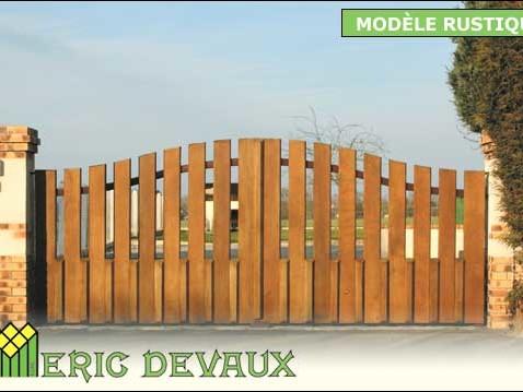 exemple portail fer et bois classique