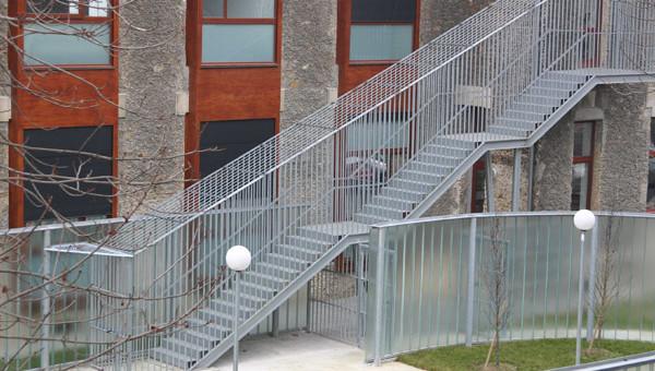 Escalier extérieur pour bâtiment en Normandie