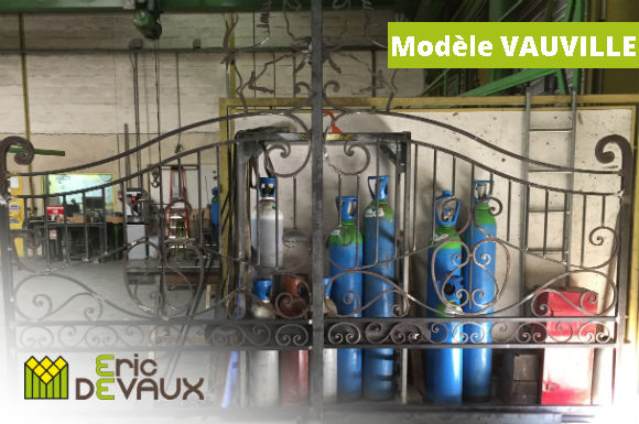 fabrication portail ferronnerie pilier motorisation